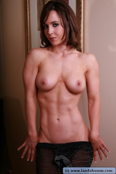 【筋肉女子エロ画像】性欲の塊のような逆レイプ回避不可能そうな筋肉女子のエロ画像集!ww 31