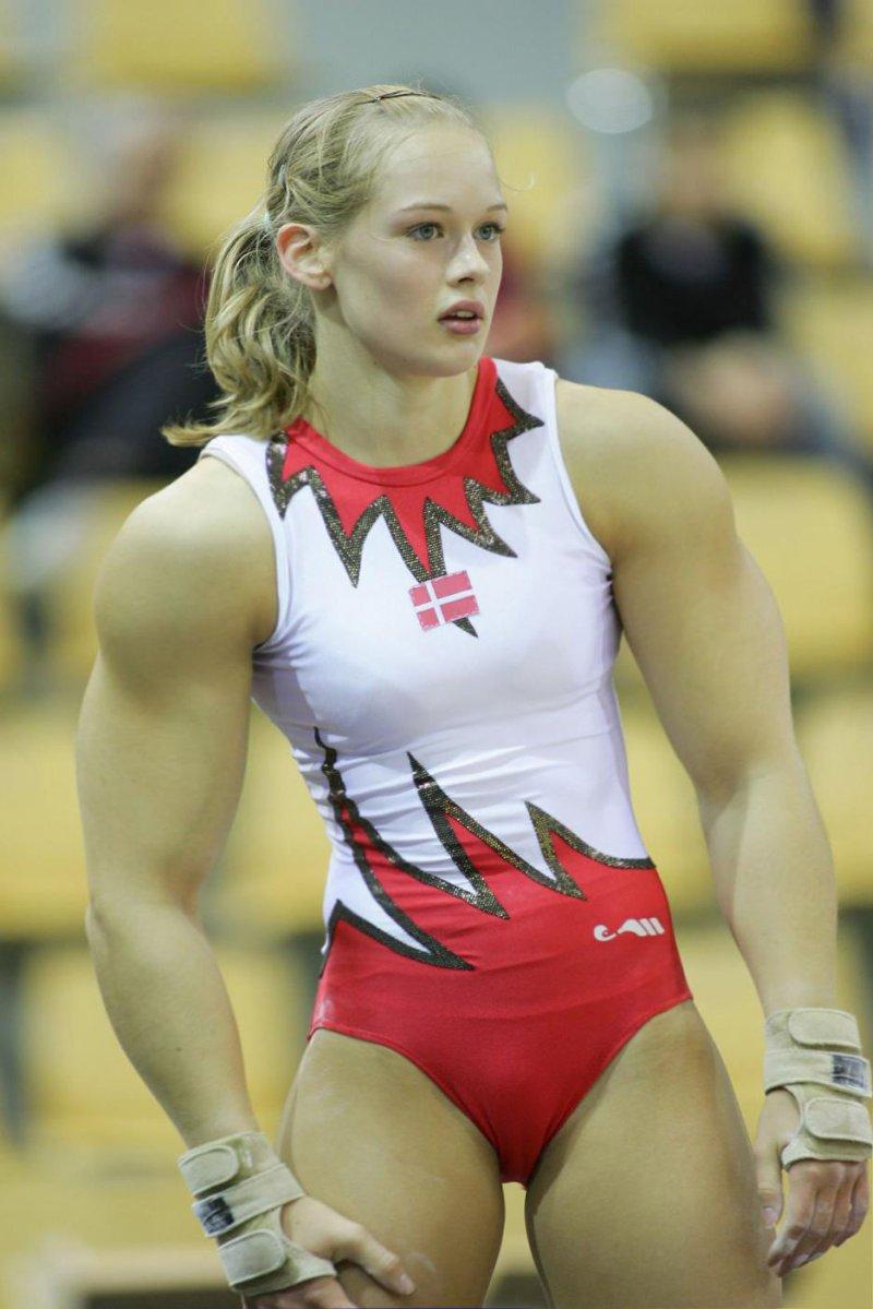 【筋肉女子エロ画像】性欲の塊のような逆レイプ回避不可能そうな筋肉女子のエロ画像集!ww 59