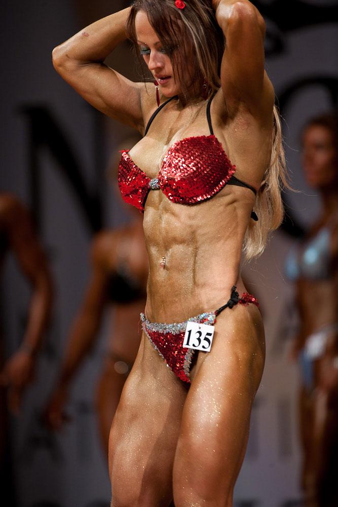 【筋肉女子エロ画像】性欲の塊のような逆レイプ回避不可能そうな筋肉女子のエロ画像集!ww 70