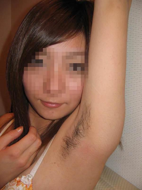 【脇毛エロ画像】熟女のだらしないカラダからハミ出る脇毛がエロ過ぎて寝取りたくなる件ww 58