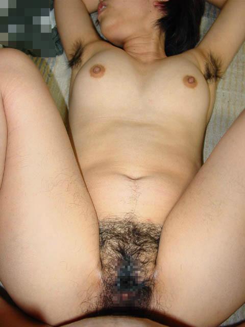 【脇毛エロ画像】熟女のだらしないカラダからハミ出る脇毛がエロ過ぎて寝取りたくなる件ww 67
