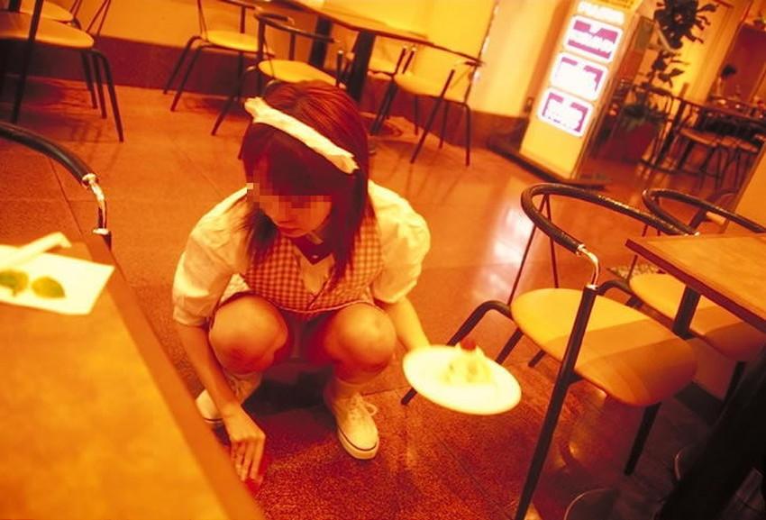 【ファミレス制服エロ画像】ファミレス制服がカワイ過ぎて食事そっちのけでご奉仕フェラさせて店内セックスしてるファミレス制服のエロ画像集!ww【80枚】 57