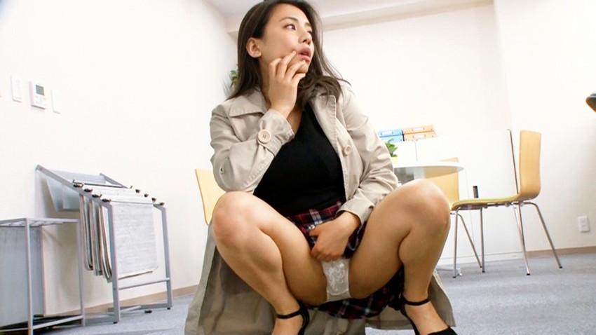 【ミニスカートエロ画像】美脚が強調されてパンチラも拝めるミニスカートのエロ画像集!ww【80枚】 26
