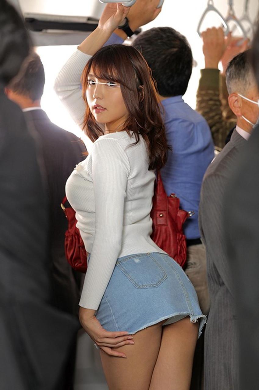 【ミニスカートエロ画像】美脚が強調されてパンチラも拝めるミニスカートのエロ画像集!ww【80枚】 47