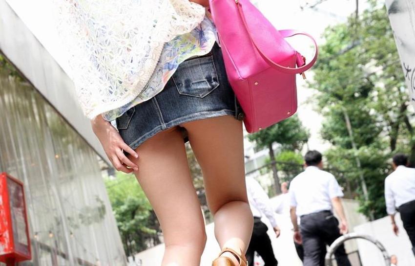 【ミニスカートエロ画像】美脚が強調されてパンチラも拝めるミニスカートのエロ画像集!ww【80枚】 54