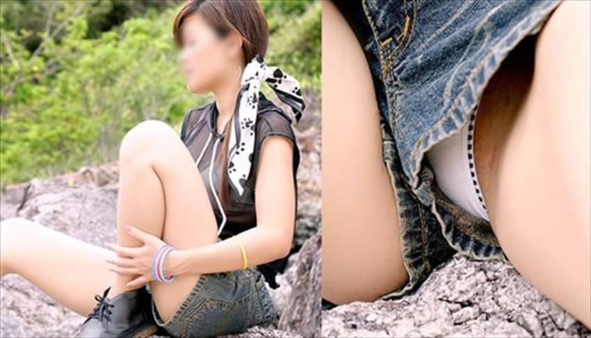 【短パンパンチラエロ画像】短パン女子がスカートじゃないからと安心してパンチラしてるところを盗撮したった短パンパンチラのエロ画像集!ww【80枚】 04