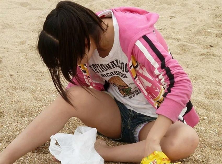 【短パンパンチラエロ画像】短パン女子がスカートじゃないからと安心してパンチラしてるところを盗撮したった短パンパンチラのエロ画像集!ww【80枚】 06