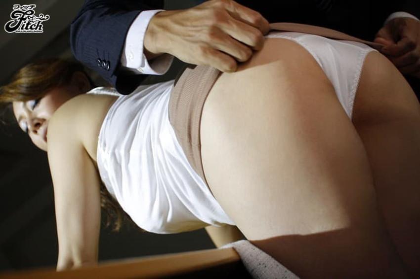 【タイトスカートエロ画像】デカ尻のワレメまでくっきり浮かび上がるタイトスカートお姉さんのエロ画像集!ww【80枚】 07