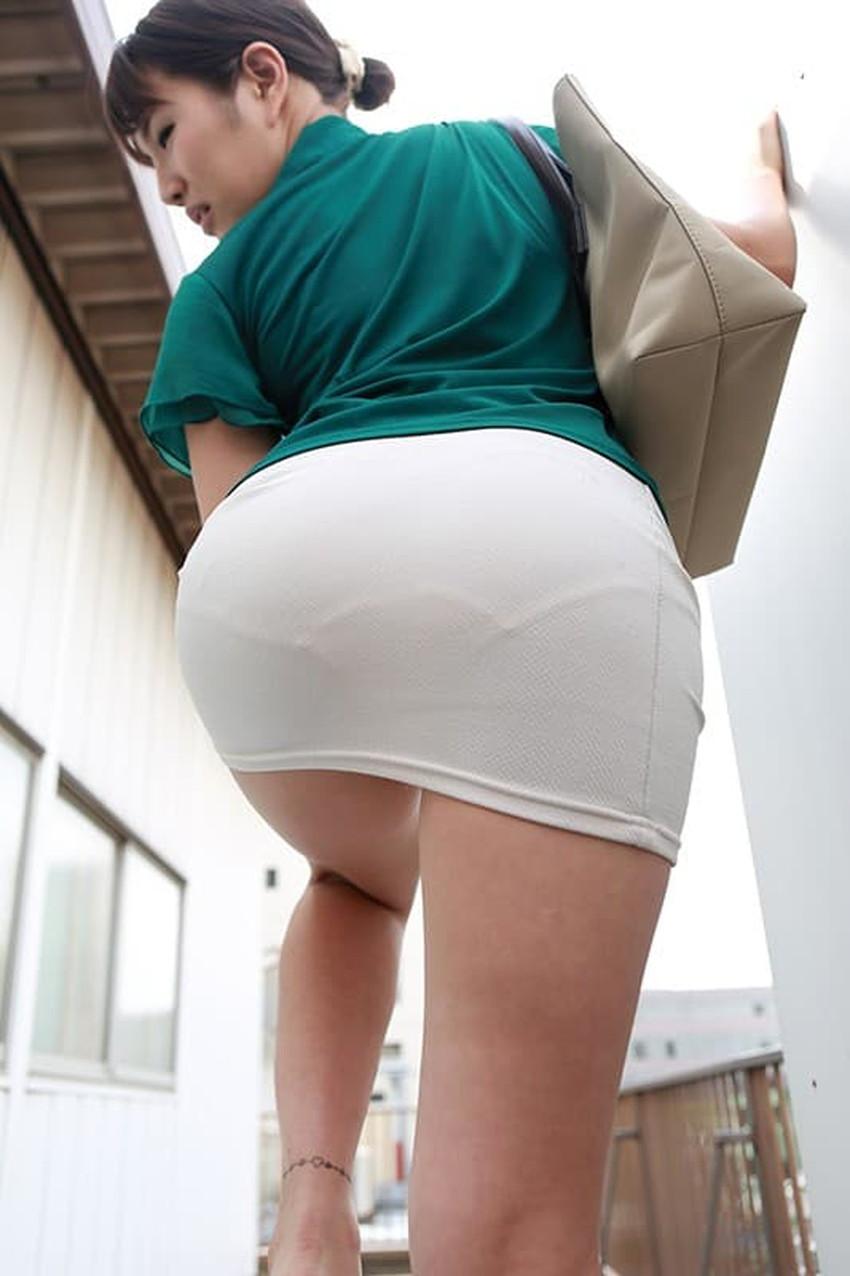 【タイトスカートエロ画像】デカ尻のワレメまでくっきり浮かび上がるタイトスカートお姉さんのエロ画像集!ww【80枚】 40