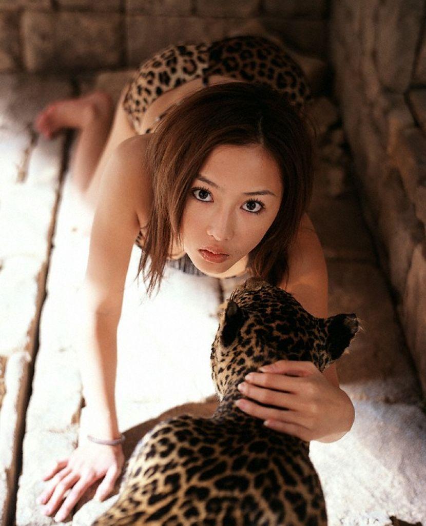 【ヒョウ柄パンティーエロ画像集】ビッチな黒ギャルのほうが大阪のおばちゃんよりヒョウ柄が似合う説は間違いじゃなかったヒョウ柄パンティーエロ画像集ww 66