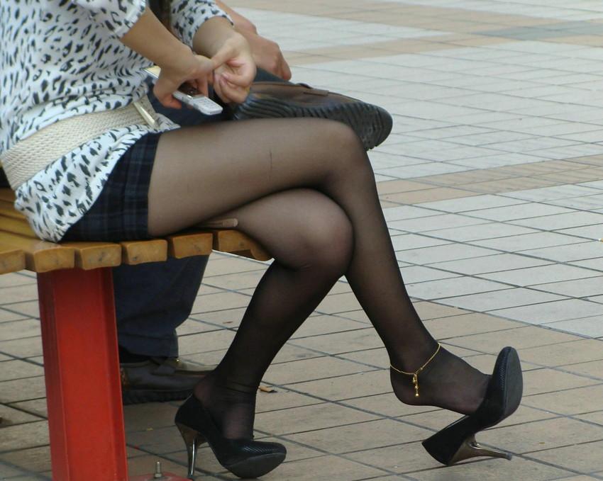 【脚組みパンチラエロ画像】脚組みしてるミニスカギャルのパンチラと太ももがエロ過ぎる脚組みパンチラのエロ画像集!ww【80枚】 24