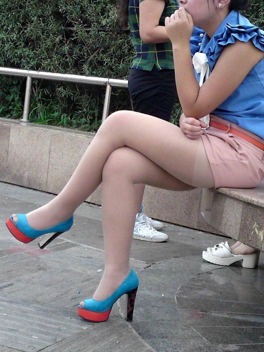 【脚組みパンチラエロ画像】脚組みしてるミニスカギャルのパンチラと太ももがエロ過ぎる脚組みパンチラのエロ画像集!ww【80枚】 64