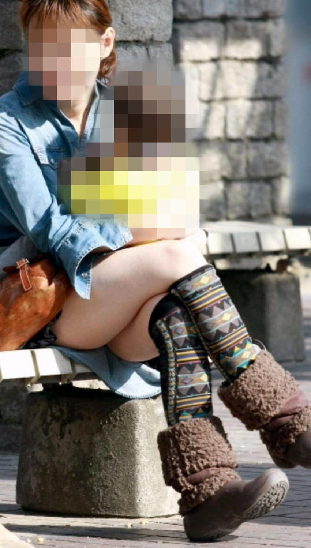 【脚組みパンチラエロ画像】脚組みしてるミニスカギャルのパンチラと太ももがエロ過ぎる脚組みパンチラのエロ画像集!ww【80枚】 65