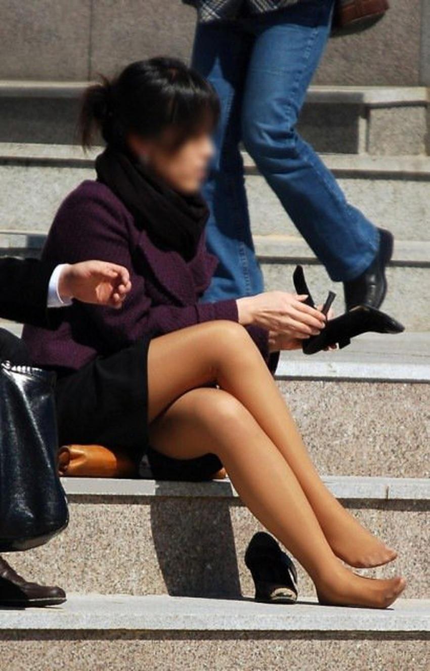 【脚組みパンチラエロ画像】脚組みしてるミニスカギャルのパンチラと太ももがエロ過ぎる脚組みパンチラのエロ画像集!ww【80枚】 70