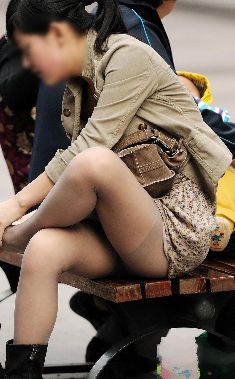 【脚組みパンチラエロ画像】脚組みしてるミニスカギャルのパンチラと太ももがエロ過ぎる脚組みパンチラのエロ画像集!ww【80枚】 71