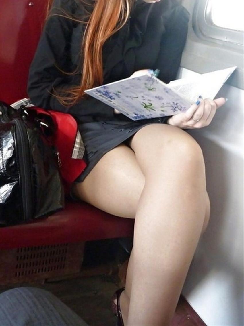 【脚組みパンチラエロ画像】脚組みしてるミニスカギャルのパンチラと太ももがエロ過ぎる脚組みパンチラのエロ画像集!ww【80枚】 74