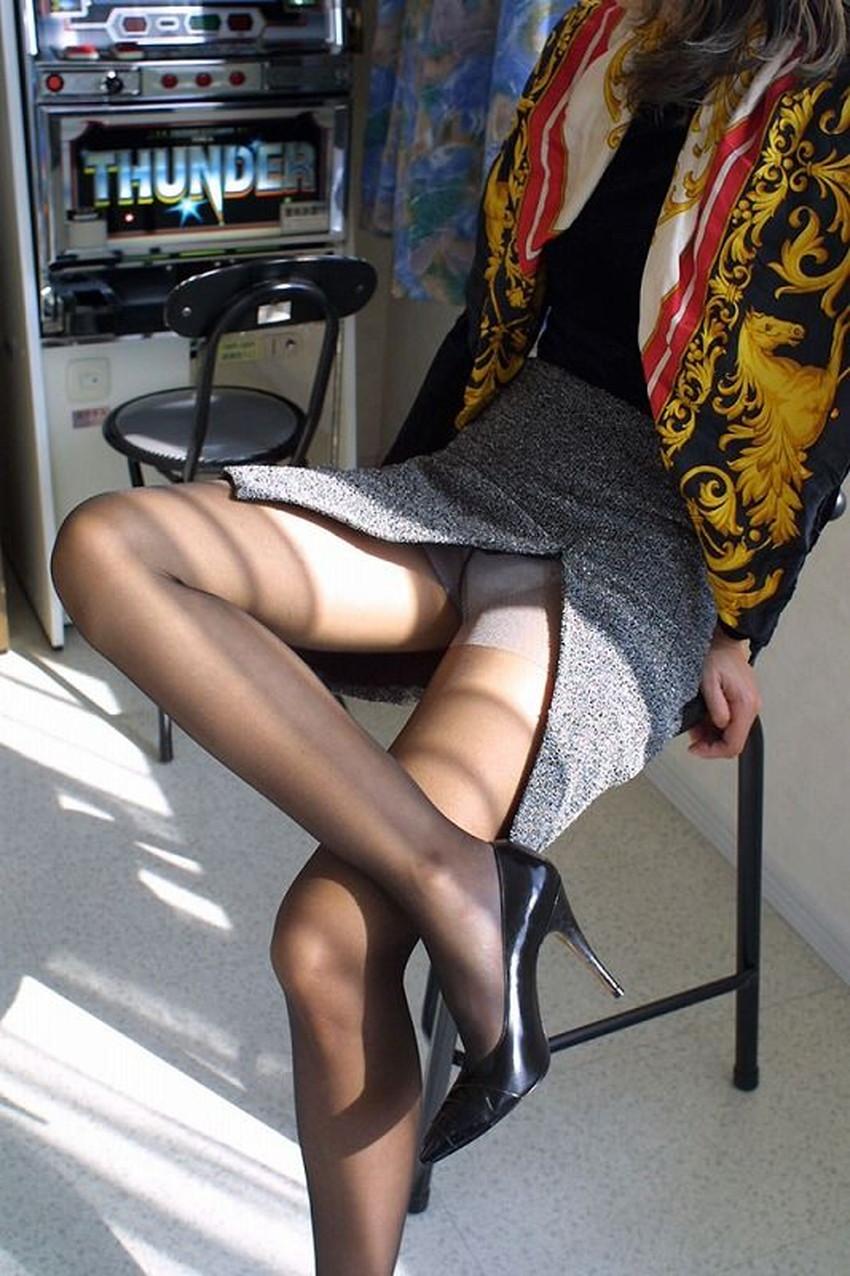 【スリットスカートエロ画像】タイトミニやスリットスカート腰の太ももやパンチラがセクシーすぎるスリットスカートのエロ画像集!ww【80枚】 34