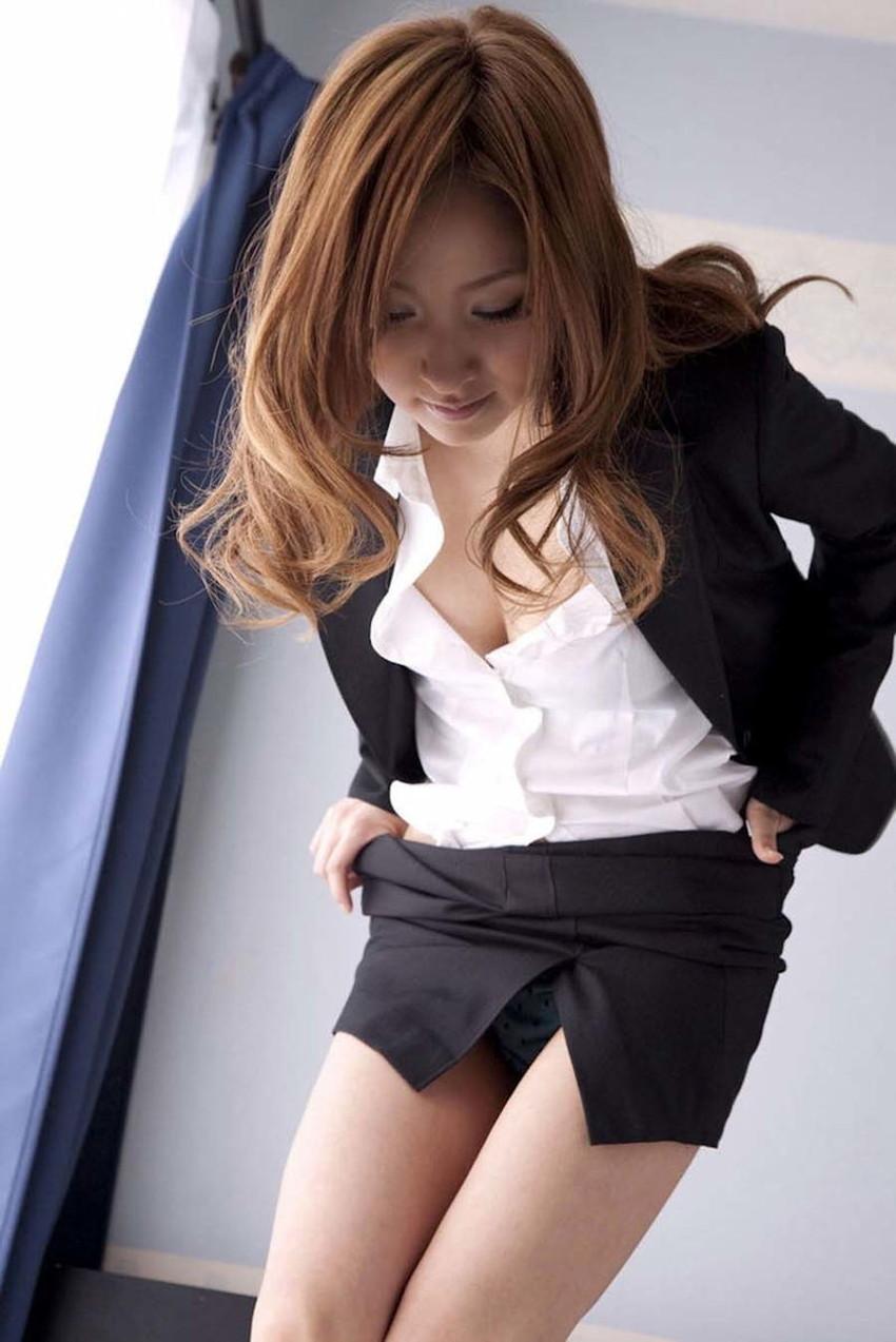【スリットスカートエロ画像】タイトミニやスリットスカート腰の太ももやパンチラがセクシーすぎるスリットスカートのエロ画像集!ww【80枚】 42