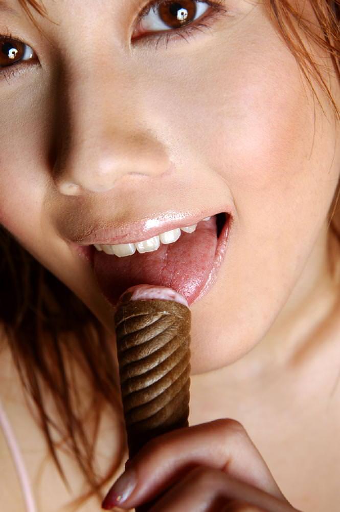 【唇エロ画像】ベロチュー手コキやフェラされたら即イキしそうなセクシー過ぎる唇のエロ画像集ww 26