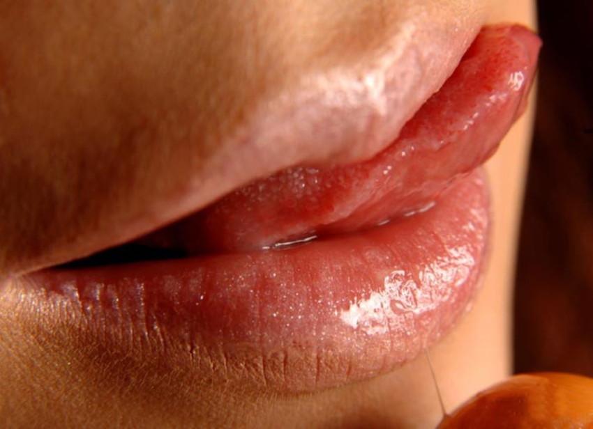 【唇エロ画像】ベロチュー手コキやフェラされたら即イキしそうなセクシー過ぎる唇のエロ画像集ww 53