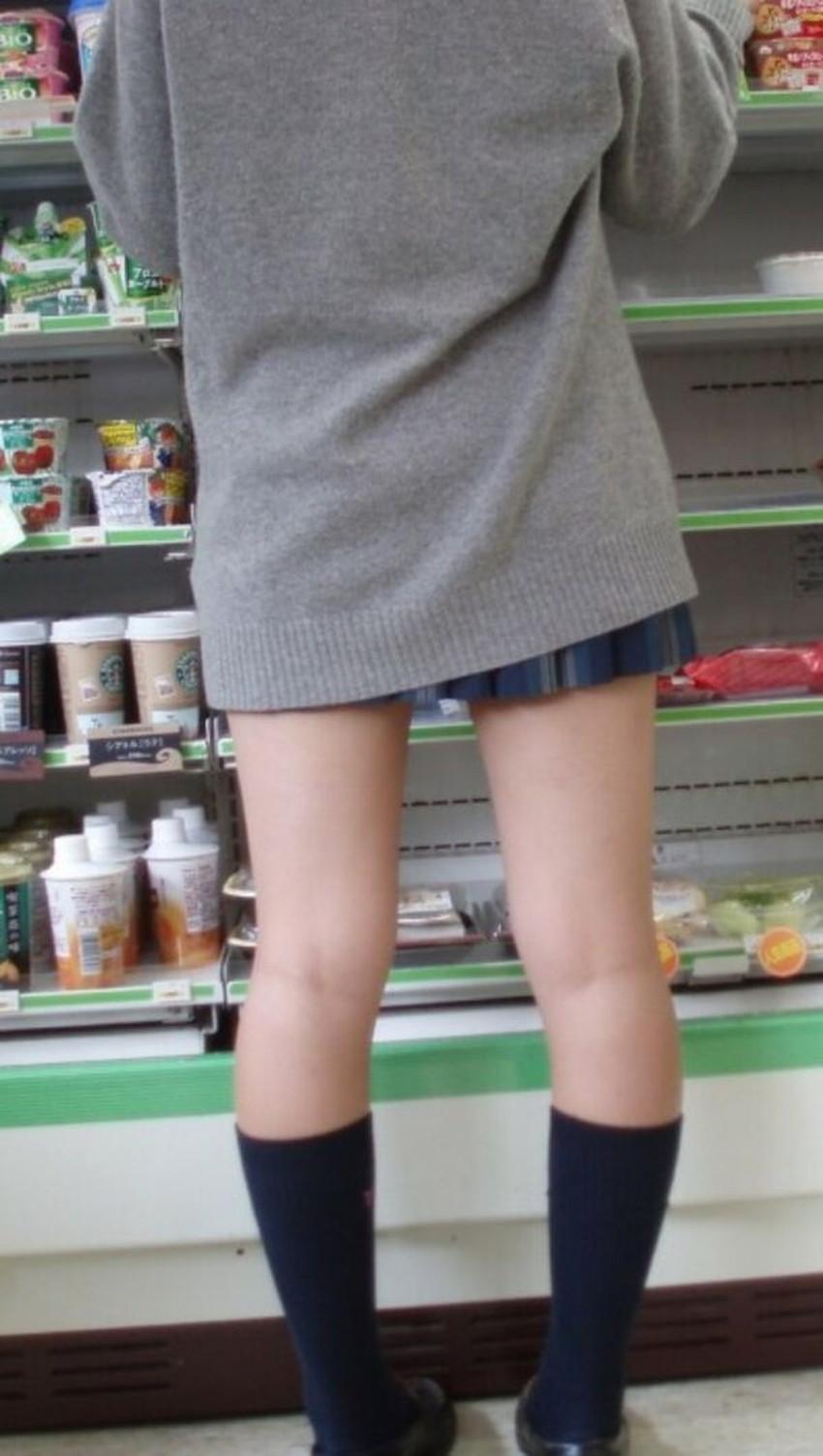 【生足エロ画像】ショーパンやミニスカの生足女子の美脚やパンチラ、ハミケツが最高過ぎる生足のエロ画像集!ww【80枚】 33