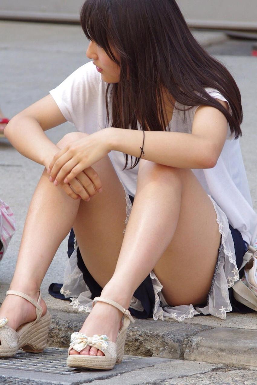 【生足エロ画像】ショーパンやミニスカの生足女子の美脚やパンチラ、ハミケツが最高過ぎる生足のエロ画像集!ww【80枚】 58
