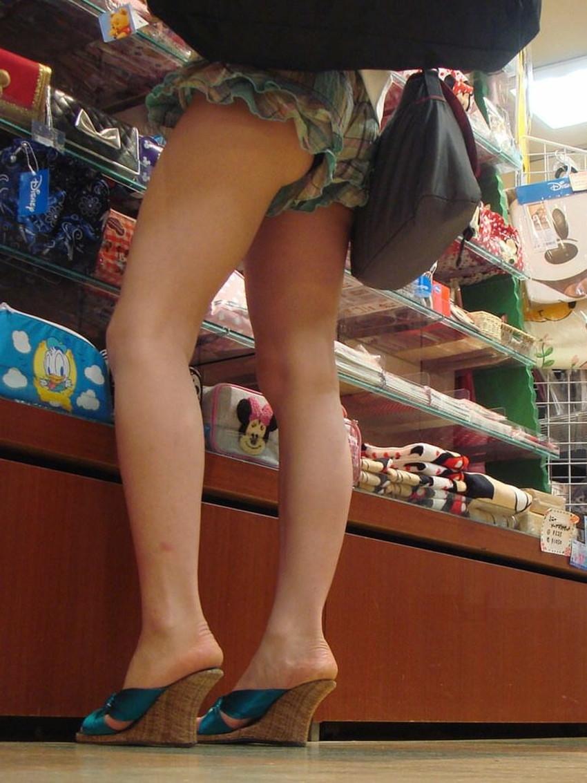 【生足エロ画像】ショーパンやミニスカの生足女子の美脚やパンチラ、ハミケツが最高過ぎる生足のエロ画像集!ww【80枚】 59