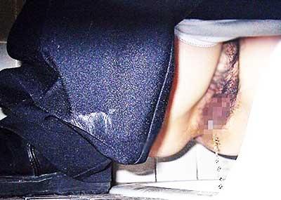 【便所盗撮エロ画像】素人OLやJDの放尿おまんこをどアップで隠し撮り!公衆トイレに隠しカメラしかけちゃった便所盗撮のエロ画像集!ww【80枚】
