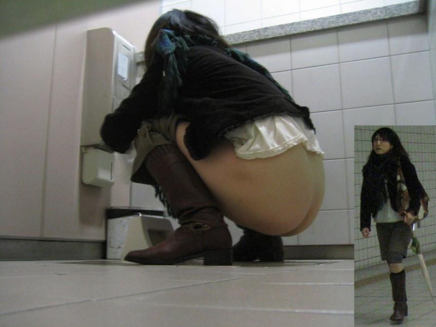 【便所盗撮エロ画像】素人OLやJDの放尿おまんこをどアップで隠し撮り!公衆トイレに隠しカメラしかけちゃった便所盗撮のエロ画像集!ww【80枚】 28