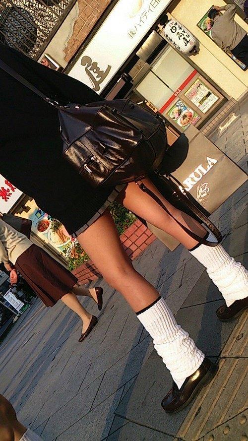 【ルーズソックスエロ画像集】ダッルダルのルーズソックスで足コキされて顔面踏んでもらいたいスーズソックスエロ画像集ww 48