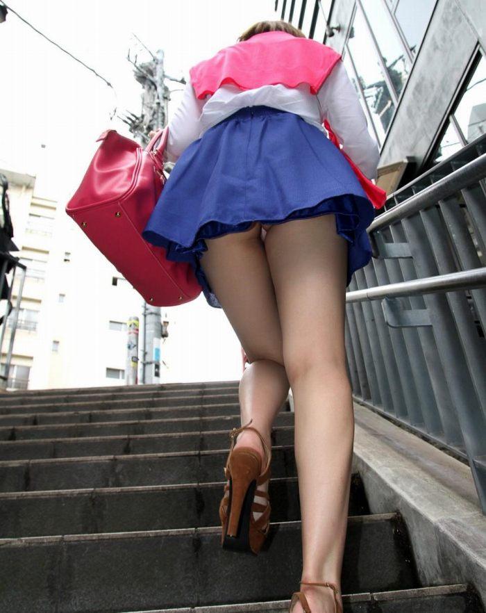 【階段 エロ画像】非常階段でスリル満点セックスしたりミニスカ素人娘のパンチラ盗撮しちゃってる階段エロ画像集!ww 22