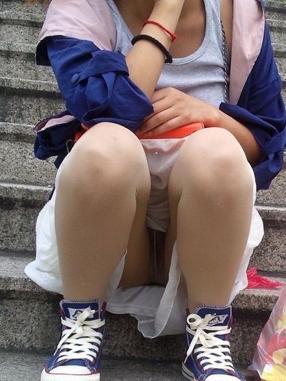 【階段 エロ画像】非常階段でスリル満点セックスしたりミニスカ素人娘のパンチラ盗撮しちゃってる階段エロ画像集!ww 23