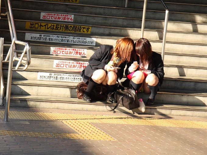【階段 エロ画像】非常階段でスリル満点セックスしたりミニスカ素人娘のパンチラ盗撮しちゃってる階段エロ画像集!ww 45