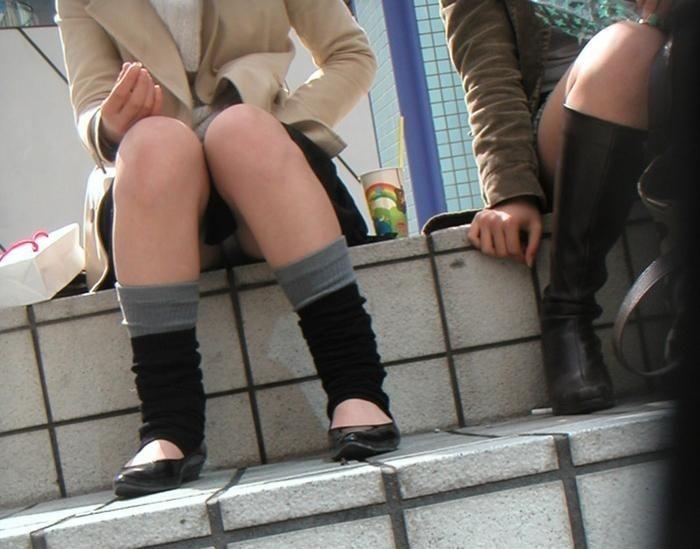 【階段 エロ画像】非常階段でスリル満点セックスしたりミニスカ素人娘のパンチラ盗撮しちゃってる階段エロ画像集!ww 70