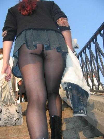 【階段 エロ画像】非常階段でスリル満点セックスしたりミニスカ素人娘のパンチラ盗撮しちゃってる階段エロ画像集!ww 74
