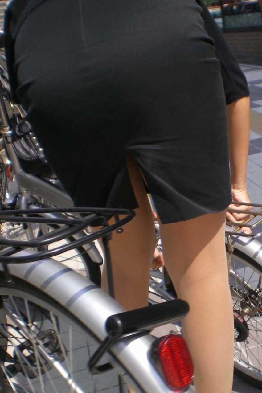 【チャリンコ女子エロ画像】自転車通学の制服JKやスーツOLのパンチラや食い込む美尻が朝から嬉し過ぎるチャリンコ女子のエロ画像集!ww【80枚】 71