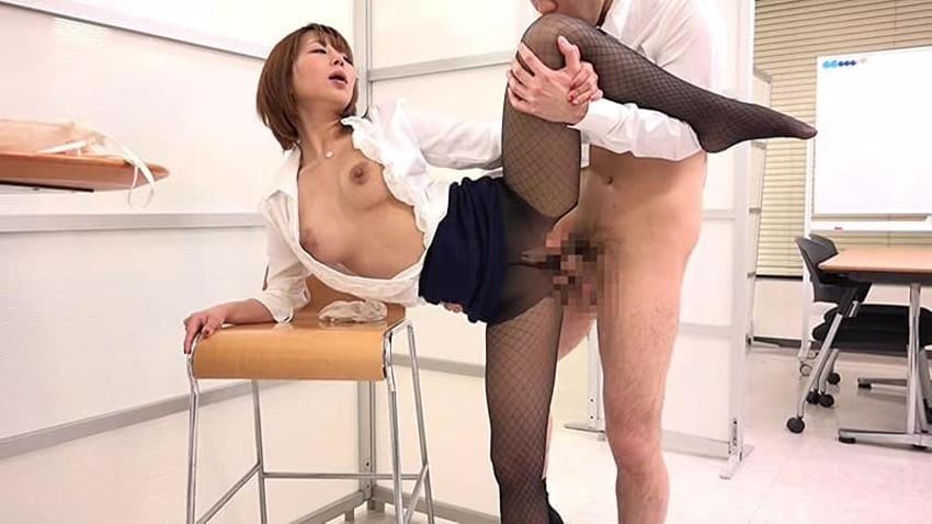 【会議室セックスエロ画像】変態OLが上司と会議室でセックスしてパンスト破りされてる会議室セックスのエロ画像集!ww【80枚】 11