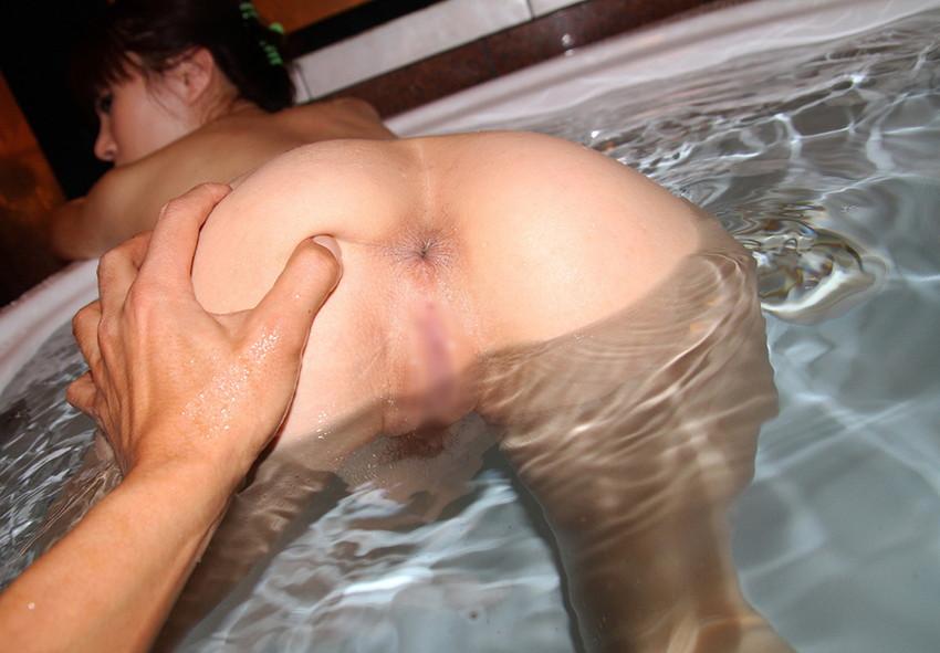 【お風呂手マンエロ画像】イチャラブカップルが湯船で彼女に水中手マンしてるお風呂手マンのエロ画像集!ww【80枚】 14