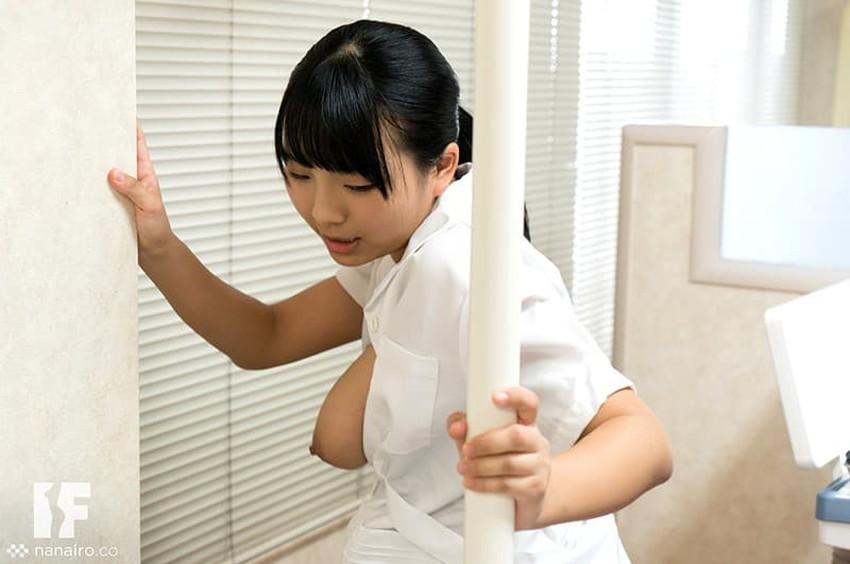 【歯科衛生士エロ画像】歯科衛生士の巨乳があたったりパンチラに興奮して診察台で乳揉みしちゃう歯科衛生士のエロ画像集!ww【80枚】 09