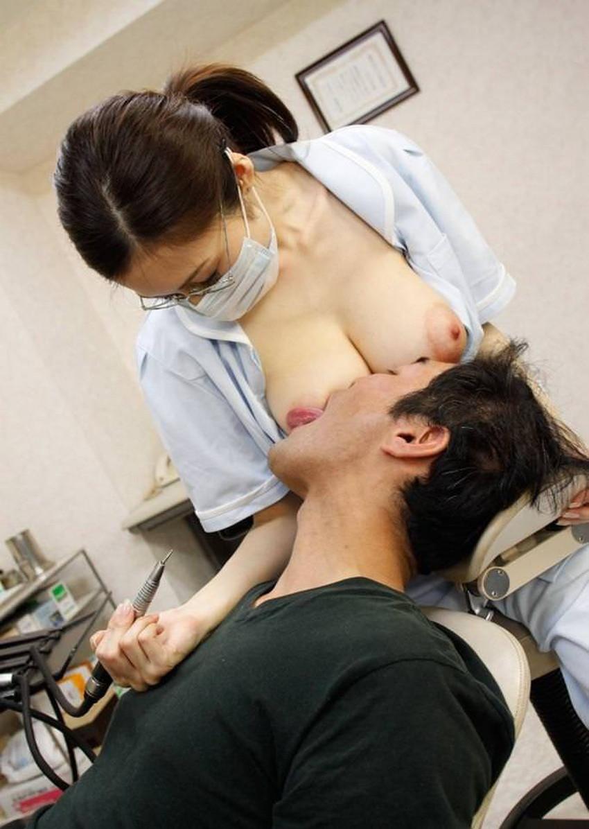 【歯科衛生士エロ画像】歯科衛生士の巨乳があたったりパンチラに興奮して診察台で乳揉みしちゃう歯科衛生士のエロ画像集!ww【80枚】 56