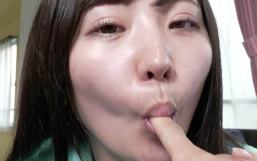 【指フェラエロ画像】フェラテク最高のS級お姉さんが指をちんぽに見立ててねっとり舐めまくる指フェラのエロ画像集!ww【80枚】 16