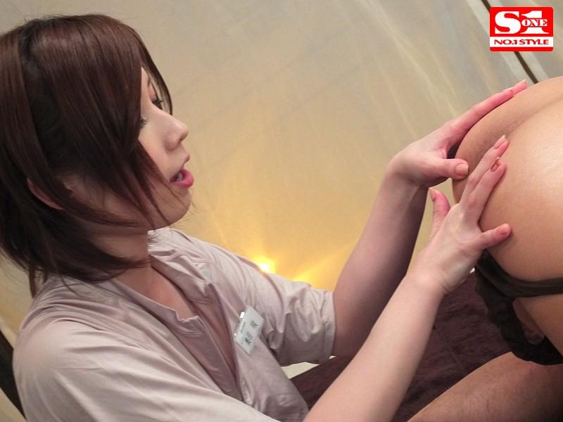 【エステティシャンエロ画像集】メンズエステで綺麗な隠れ痴女の担当にぬるぬる手コキからフェラされて本番挿入されちゃったエステティシャンのエロ画像集ww 44