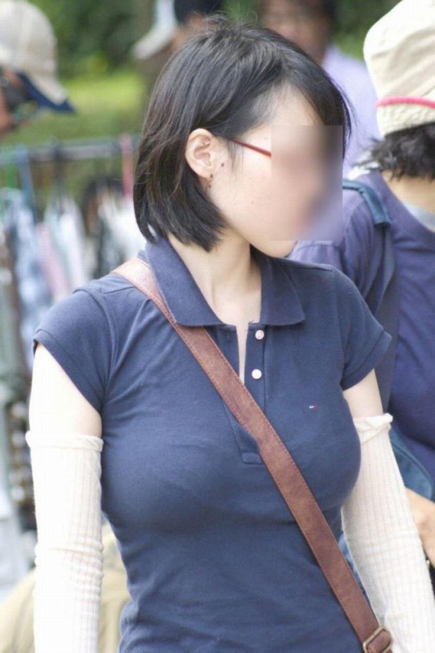 【街撮りエロ画像】街に出掛けて素人女子の胸チラやパンチラ、パイスラや透けパンを盗撮しまくる街撮りのエロ画像集!ww【80枚】 60