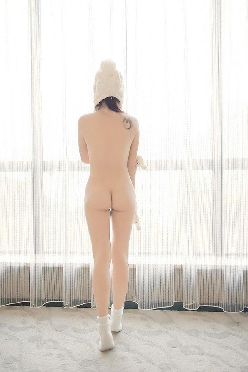 【帽子ヌードエロ画像】美少女やギャルが帽子だけかぶって美乳や陰毛丸出しで微笑んでくれる帽子ヌードのエロ画像集!w【80枚】 52