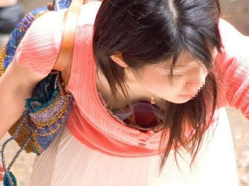 【貧乳胸チラエロ画像】貧乳だからこそ見える前かがみ胸チラ!!服やブラがスカスカで乳首まで見えてる貧乳胸チラのエロ画像集!ww【80枚】 03
