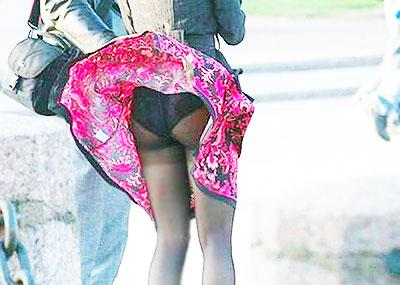 【パンツ丸見え素人エロ画像】透けパンや風パンチラ、しゃがみパンチラでパンティー丸見えになってる素人女子を盗撮したパンツ丸見え素人のエロ画像集!ww【80枚】