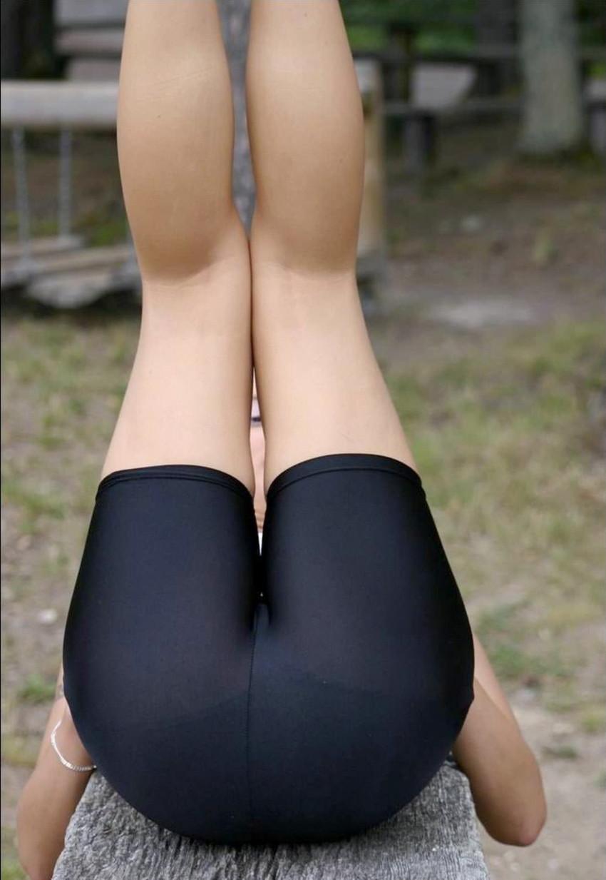 【ストレッチエロ画像】インストラクターやスポーツ美少女がストレッチで大股広げて胸チラさせてるストレッチのエロ画像集!ww【80枚】 56