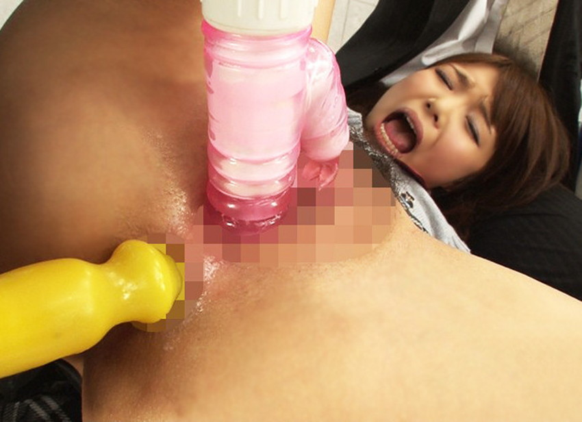 【アナルバイブエロ画像】生意気な美女の肛門を広げて極太バイブをブチ込みケツイキさせてるアナルバイブのエロ画像集!ww【80枚】 73