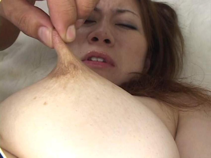 【引っ張り乳首エロ画像】乳首がエロ過ぎて弄りながら引っ張っておっぱいを尖らせてる引っ張り乳首のエロ画像集!w【80枚】 57