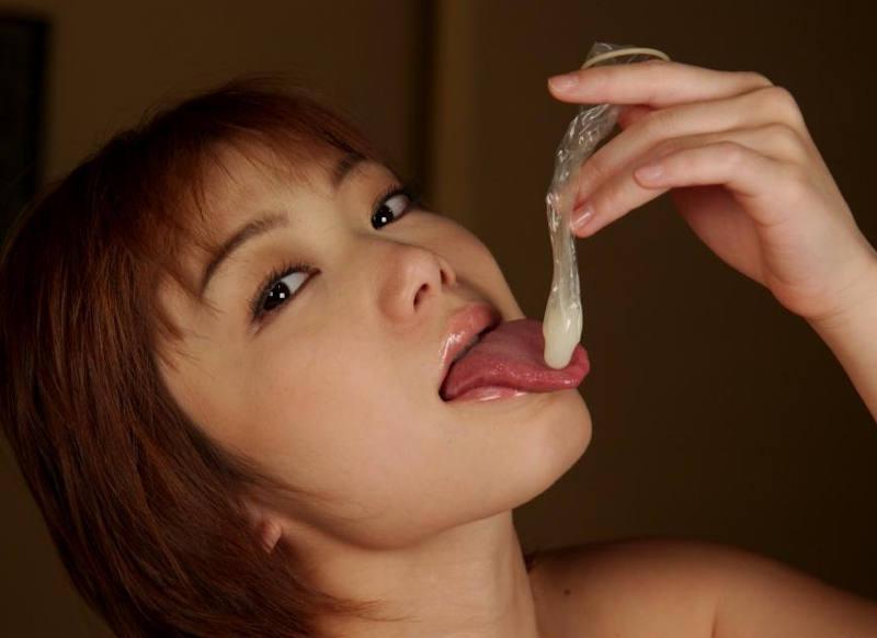 【使用済みコンドームエロ画像】変態娘がザーメンいっぱい詰まった事後コンドームを持ったり咥えたりして2回戦をおねだりしてる使用済みコンドームのエロ画像集!ww【80枚】 34